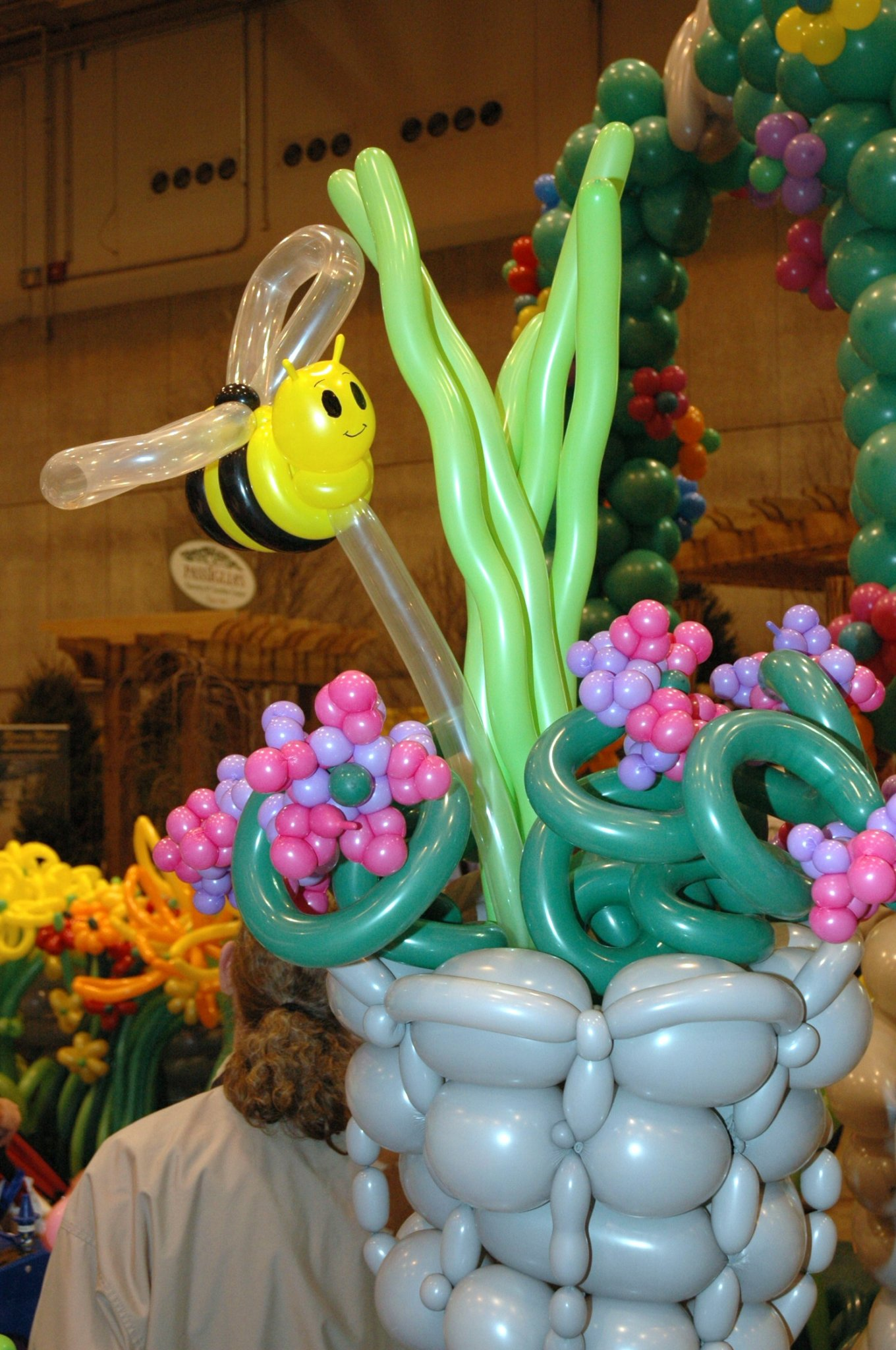 Balloon Garden Was Produced For The St Louis Home U0026 Garden Show. The  Project Took Four Days, Covered 600 Square Feet And Used More Than 6,000  Balloons.